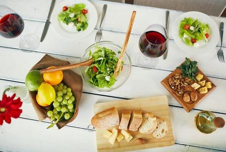 ensalada de frutas: La comida sana y fresca sirve para el desayuno Foto de archivo