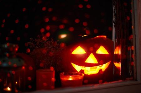 잭 - 오 - 랜 턴과 촛불 스파클링 배경에 스톡 콘텐츠
