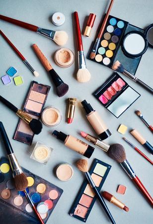 美しさ: プロのメイクアップの化粧品 写真素材