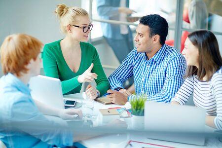 Business-Team diskutieren Business-Pläne Standard-Bild