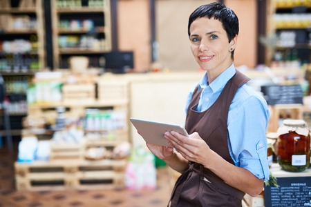 stocktaking: Storekeeper or inspector carrying out stock-taking