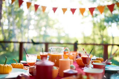 Diner tafel is ingesteld voor Halloween feest Stockfoto
