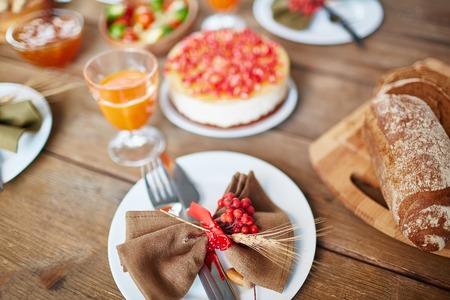 feestelijk: Diner tafel ingericht voor vakantie