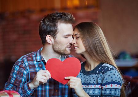 relaciones sexuales: Pareja sensual tocar por narices