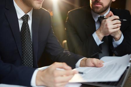 Discussion d'affaires dans la réunion