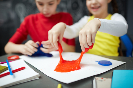 Play with slime Standard-Bild