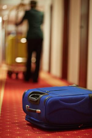 doorkeeper: Case with baggage