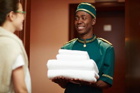doorkeeper: Porter with clean towels