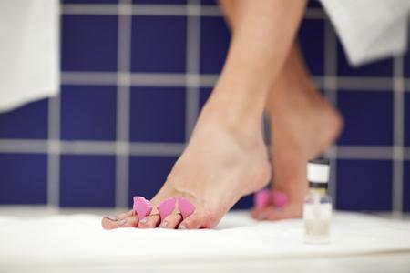 Drying polish on toenails