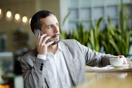 phoning: Broker phoning