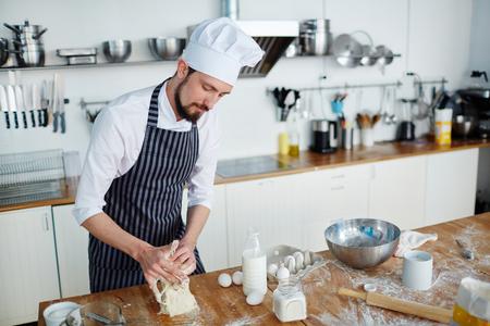 Preparing pastry 版權商用圖片