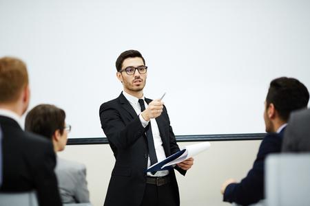 청중과 대화하기 스톡 콘텐츠