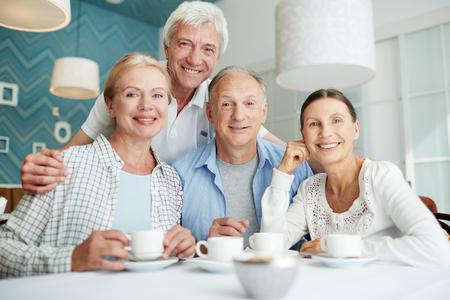 Amis de retraités Banque d'images - 86619982