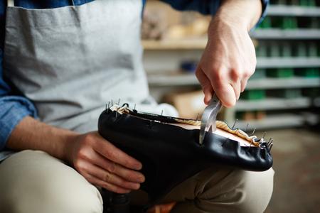 Cutting leather Zdjęcie Seryjne