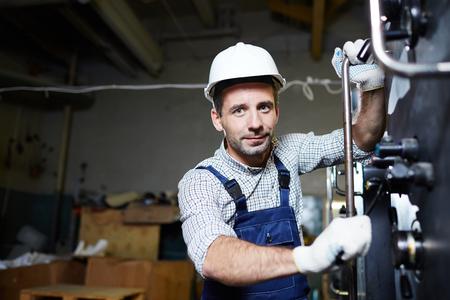 現代の工場労働者