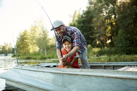 The lesson of fishing on the lake