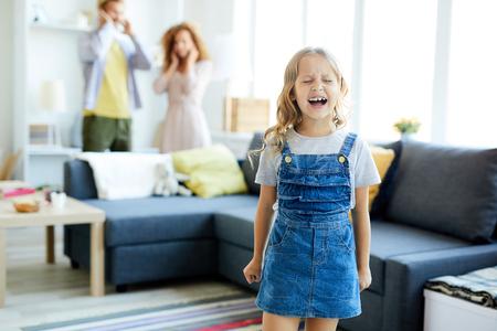 Child yelling Stock fotó - 107441822