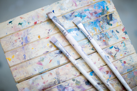 Painting supplies Imagens - 107789893