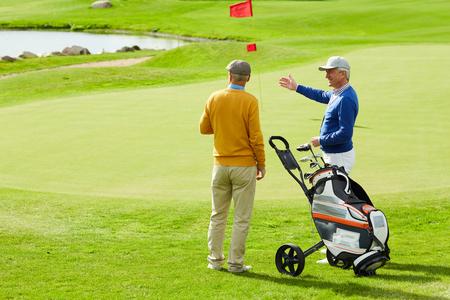 Talk of golf players 版權商用圖片
