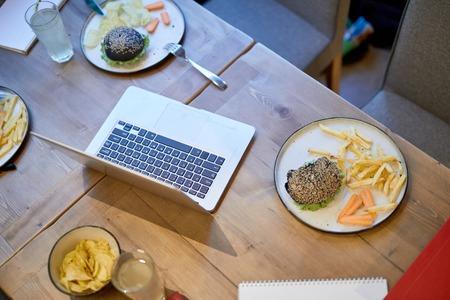 Gadget and fast food 版權商用圖片
