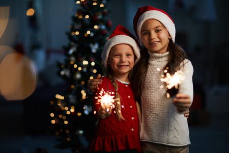Christmas night Standard-Bild - 113963114