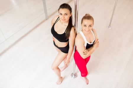 Girls in gym Standard-Bild - 113326440