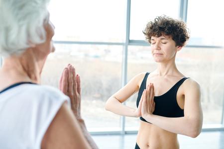 Women Practicing yoga Stockfoto