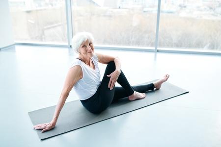 Senior woman training Stockfoto