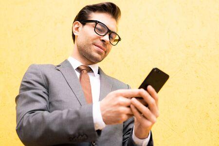 Modern broker