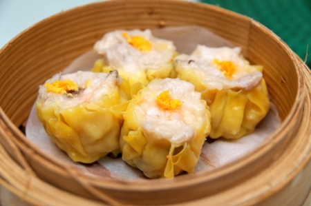 dim sum: Steamed shrimp dumplings dim sum