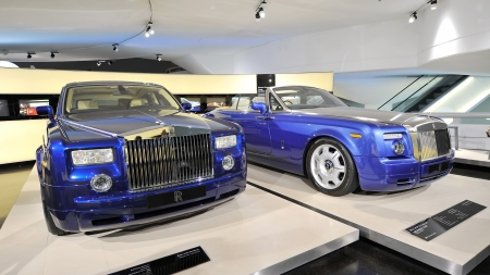 MUNICH - JUNE 8: Rolls Royce Phantom and Drophead Coupe on display in BMW Museum on June 8, 2013 in Munich