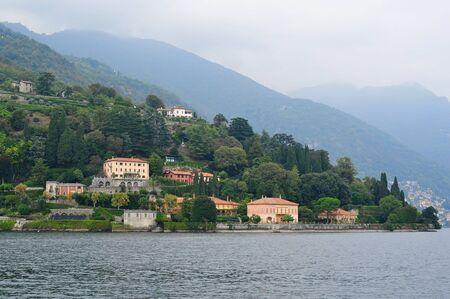 como: COMO - OCTBER 2: Luxury villas along the bank of Lake Como on October 2, 2013 in Como, Italy