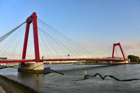 maas: ROTTERDAM - SEPTEMBER 18: Willemsbrug bridge in the centre of Rotterdam, spanning the Nieuwe Maas river, taken on September 18, 2014 in Rotterdam, Netherlands