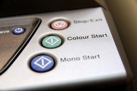 fotocopiadora: Los botones de una m�quina copiadora a color