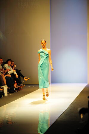 swarovski: SINGAPORE - MAY 14: Model showcasing designs from Swarovski at Audi Fashion Festival 2011 on May 14, 2011 in Singapore