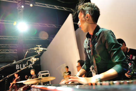 swarovski: SINGAPORE - MAY 18: Artiste performing during Swarovski show at Audi Fashion Festival 2012 on May 18, 2012 in Singapore
