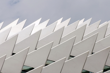 moder: Silver and metallic sharp edges on a roof