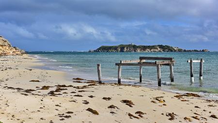 stingrays: Old jetty at Hamelin Bay, Western Australia, well known for stingrays