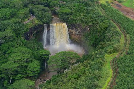 Magnificent Wailua Falls in Kauai, Hawaii Imagens