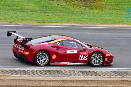 HAMPTON DOWNS, NEW ZEALAND - APRIL 18: Karim Nagadipurna racing in a Ferrari 488 Challenge at Ferrari Challenge Asia Pacific Series race on April 15, 2018 in Hampton Downs Imagens - 104058668