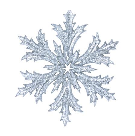 brillante del copo de nieve aislada en el fondo de invierno