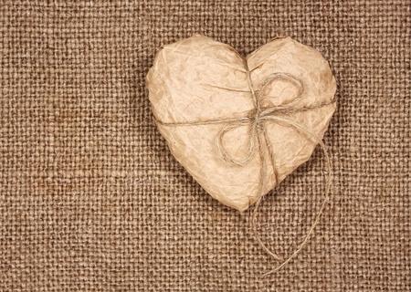 el papel del coraz�n en una arpillera, como un fondo