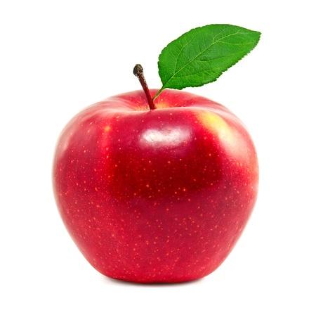 Fresca manzana roja sobre un fondo blanco