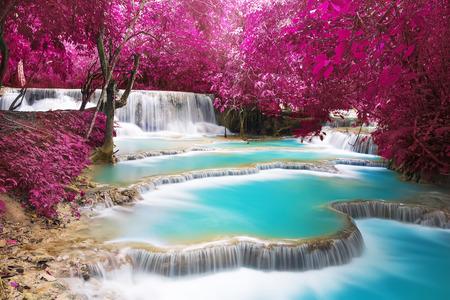 国光客運の Si 滝、ルアンパバーンの青緑色の水。ラオス