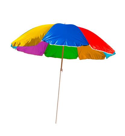 strand paraplu geïsoleerd op een witte achtergrond Stockfoto