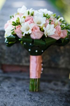 bridal dress: Close up di bouquet da sposa