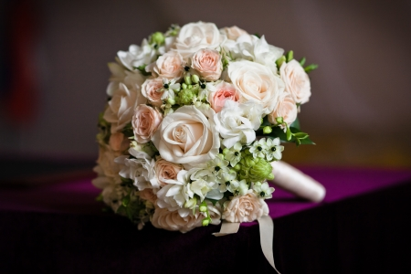 bouquet flowers: close up of wedding bouquet