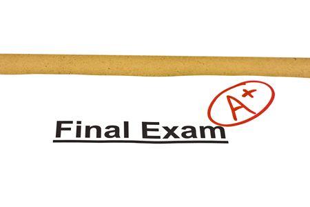 最終試験で A + 白で隔離されるマーク