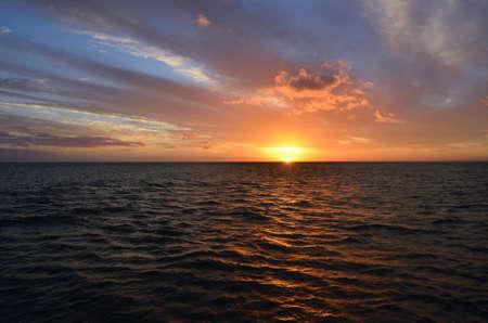 Sunset Landscape Over Pacific Ocean Waters Archivio Fotografico