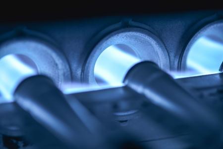 홈 용광로 버너의 근접 촬영 샷 촉발